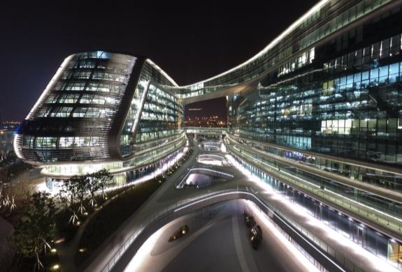 上海凌空SOHO——扎哈.哈迪德流動藝術之美